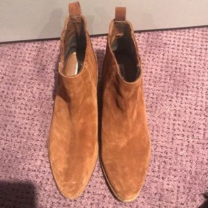 Used tan suede Steve Madden boots size 8.5